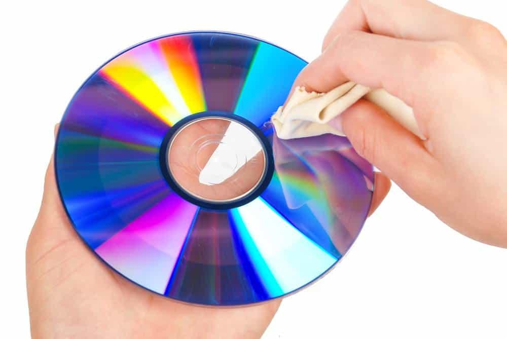 Cómo limpiar un CD/DVD